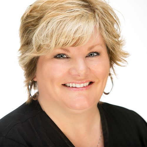Lori Ingriselli<br/> Cosmetic Manager